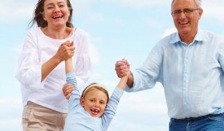Großeltern sollten Interessen der Enkel kennen (Foto)