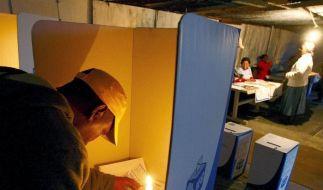 Großer Andrang vor Wahllokalen in Südafrika (Foto)