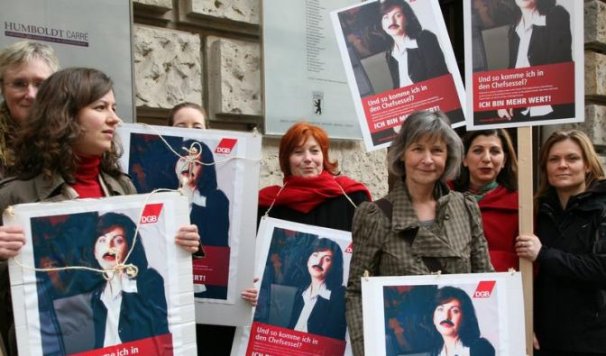 Großunternehmen wollen Frauen freiwillig fördern (Foto)
