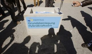 Grundsteinlegung Hybridkraftwerk (Foto)