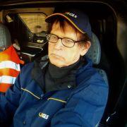 Knochenjob: Günter Wallraff (rechts) an der Seite von GLS-Fahrer Augustine Frimpong.