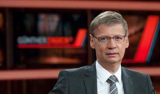 Günther Jauch diskutiert über Wulff (Foto)