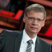 Günther Jauch ist mit seiner Talkshow aus der Sommerpause zurück.