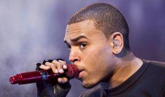 Gute Noten für Rapper Chris Brown vor Gericht (Foto)