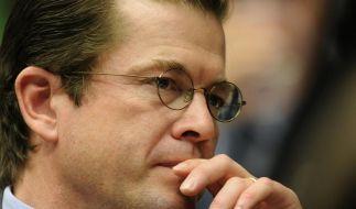 Guttenberg will Doktortitel zurückgeben (Foto)