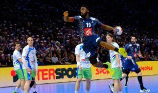 Halbfinale am 26.01.2017 in der Bercy Arena in Paris, Frankreich. Luc Abalo (M) aus Frankreich in Aktion. (Foto)