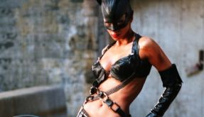 Halle Berry in Catwoman (Foto)