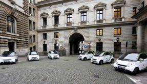 Hamburg eroeffnet erste Stromtankstelle fuer Elektroautos (Foto)