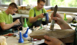 Handwerk will Nachwuchslücken mit ausländischen Lehrlingen schließen (Foto)