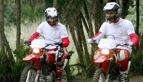 Harry und William auf Motorradrallye (Foto)