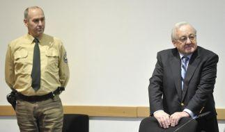 Hat er noch mehr auf Lager? Karlheinz Schreiber vor dem Augsburger Landgericht. (Foto)