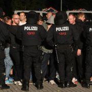 Heidenau: Polizei greift gegen Rechte durch (Foto)