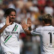 Nach hartem Spiel den Sieg erkämpft! Frankfurt gewinnt mit 1:2 (Foto)