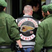 Hells-Angels-Mitglieder beim Mordprozess in Kaiserslautern 2010: Sie sollen ein Outlaws-Mitglied erstochen haben.