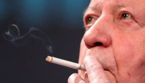 Helmut Schmidt findet Internet «bedrohlich» (Foto)