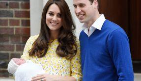 Herzogin Kate und Prinz William mit ihrer frisch geborenen Tochter. (Foto)
