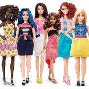 """Hier fehlt eine: Zeitgleich zur neuen Barbie-Kollektion von Mattel hat Haneefah Adam ihre islamisch korrekt gekleidete """"Hijarbi"""" entworfen. (Foto)"""