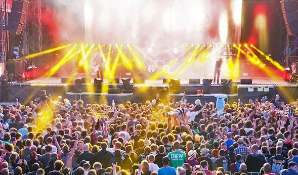 Hits zum Mitsingen: Die Konzerte angesagter deutscher Künstler ziehen die Fans zu Tausenden an. (Foto)