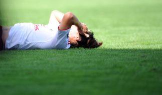 Hitzetod für den HSV: Heung Min Son kann die Pleite beim Karlsruher SC nicht fassen. (Foto)