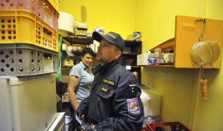 Hochprozentiges wurde von der Polizei aus sämtlichen Geschäften verbannt. (Foto)