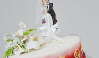 Hochzeitstorte sollte zur Deko passen (Foto)