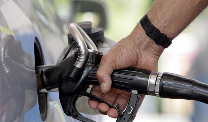 Hohe Benzinpreise dämpfen Stimmung der Verbraucher (Foto)