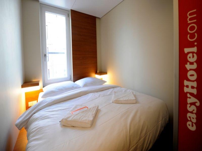 bernachten das abc der hotelbetten. Black Bedroom Furniture Sets. Home Design Ideas