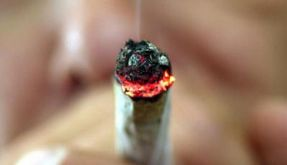 Hunger und rote Augen: Zeichen für Cannabis-Konsum (Foto)