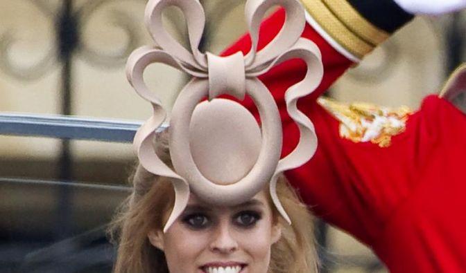 Hut von Prinzessin Beatrice auf Facebook verulkt (Foto)