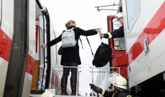 ICE-Panne: 400 Reisende sitzen stundenlang fest (Foto)