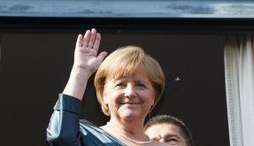 «Ich jedenfalls kann noch immer herzlich lachen», versichert Kanzlerin Angela Merkel. (Foto)