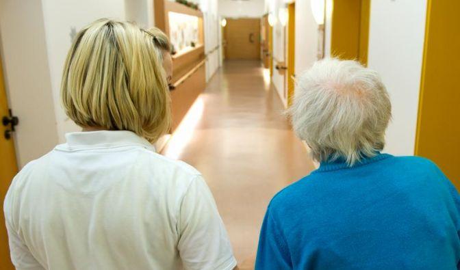 Identitätsverlust bei Alzheimer mit Fotos und Musik aufhalten (Foto)