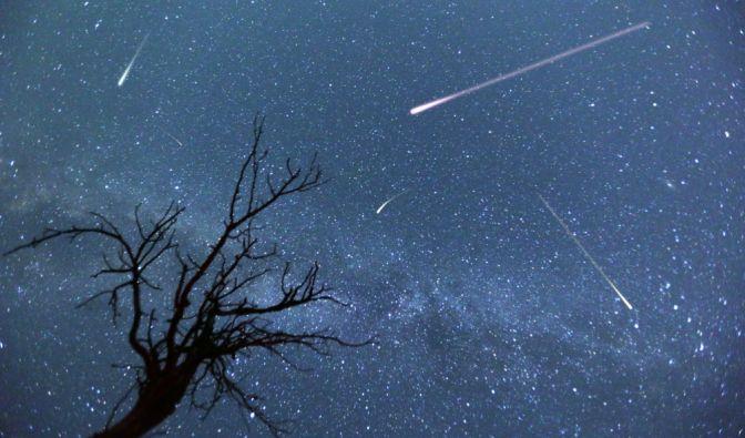 Im April ist der Sternschnuppenstrom der Lyriden zu sehen. (Foto)