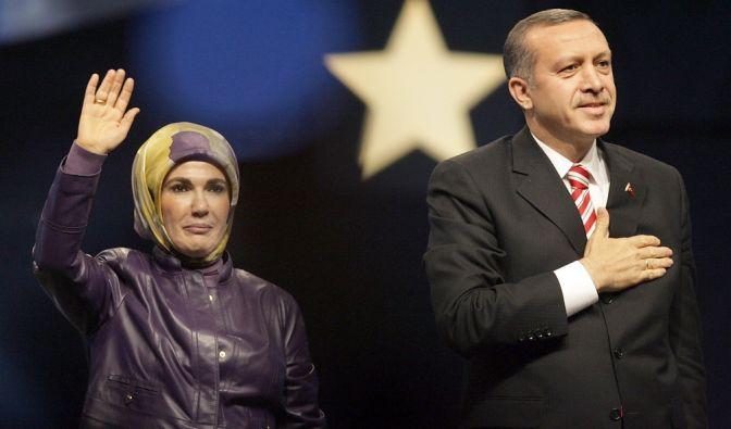 Im Harem würden junge Frauen auf das Leben vorbereitet: Emine Erdogan. (Foto)