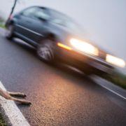 Im Herbst müssen Autofahrer besonders wachsam sein. (Foto)