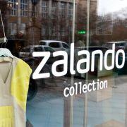 Im März 2012 eröffnete der Online-Versandhandel Zalando für eine Werbeaktion drei Tage lang ein Geschäft im Szene-Kiez am Hackeschen Markt.