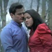Im gemeinsamen Musikvideo zu Is it Love? sehen Rocco Stark und Kim Gloss wie ein glückliches Paar aus. Nun wollen die beiden Ex-bewohner des RTL- Dschungelcamps ihrer Liebe eine zweite Chance geben