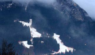 Im Oberbayern ist ein 22-Jähriger beim Skifahren tödlich verunglückt. (Foto)