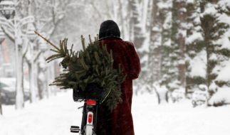 Im Osten Schnee, im Westen Regen - so sehen die Vorhersagen für das Wetter zum Fest aus. (Foto)