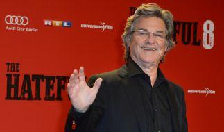 """Im Western fühlt er sich geborgen: Kurt Russel bei der Premiere zu """"The Hateful 8"""" in Berlin. (Foto)"""