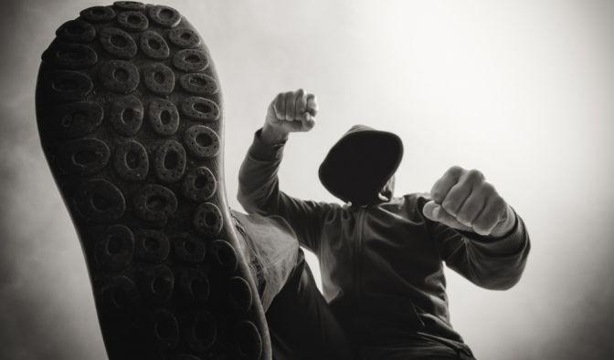 Immer wieder kommt es in Flüchtlingsunterkünften zu gewaltsamen Auseinandersetzungen (Symbolbild). (Foto)