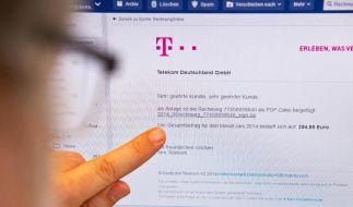 Immer wieder versuchen es Kriminelle: Sie schicken Phishing-Mails, durch die sich beim Öffnen eines Links ein Virus auf dem Computer installiert. (Foto)
