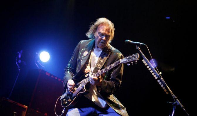 Immer mit Leidenschaft bei der Sache: Neil Young. (Foto)