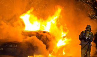 In Berlin 2011 bereits 530 Autos durch Zündler beschädigt (Foto)