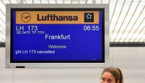 In Berlin-Tegel streiken die Flugbegleiter bereits seit 5 Uhr. Zahlreiche Flüge fallen aus. (Foto)