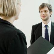 Dos und Don'ts! Die richtige Kleidung im Bewerbungsgespräch (Foto)