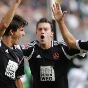 In der ersten Bundesliga-Begegnung des 1.FC Nürnberg in dieser Saison hatte Hanno Balitsch (Mitte) Grund zum Jubeln.
