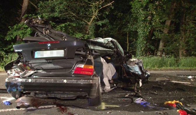 Schwerer Autounfall in Petershagen (Foto)