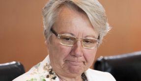 In Erklärungsnot: Bildungsministerin Annette Schavan muss um ihren Doktortitel fürchten. (Foto)