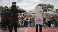 In Indonesien wurde ein schwules Paar öffentlich ausgepeitscht. (Foto)
